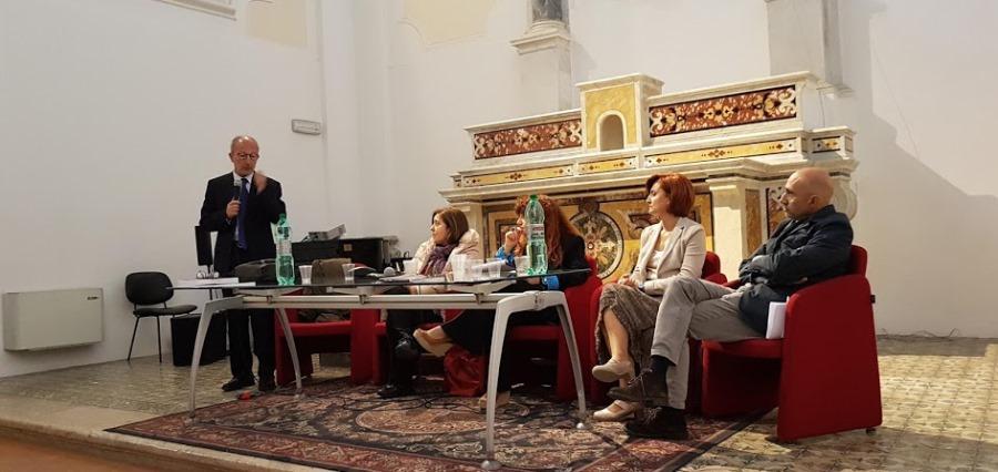 Presentato ad Avellino Amare in Assenza. Fronteggiare il lutto con la psicoterapia