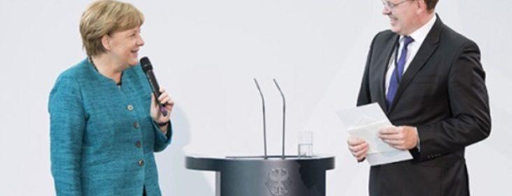La Cancelliera tedesca, Angela Merkel, e il Borgomastro di Altena, Andreas Hollstein.
